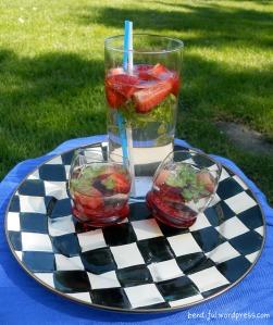 Stawbeey Lime Gin & Tonics