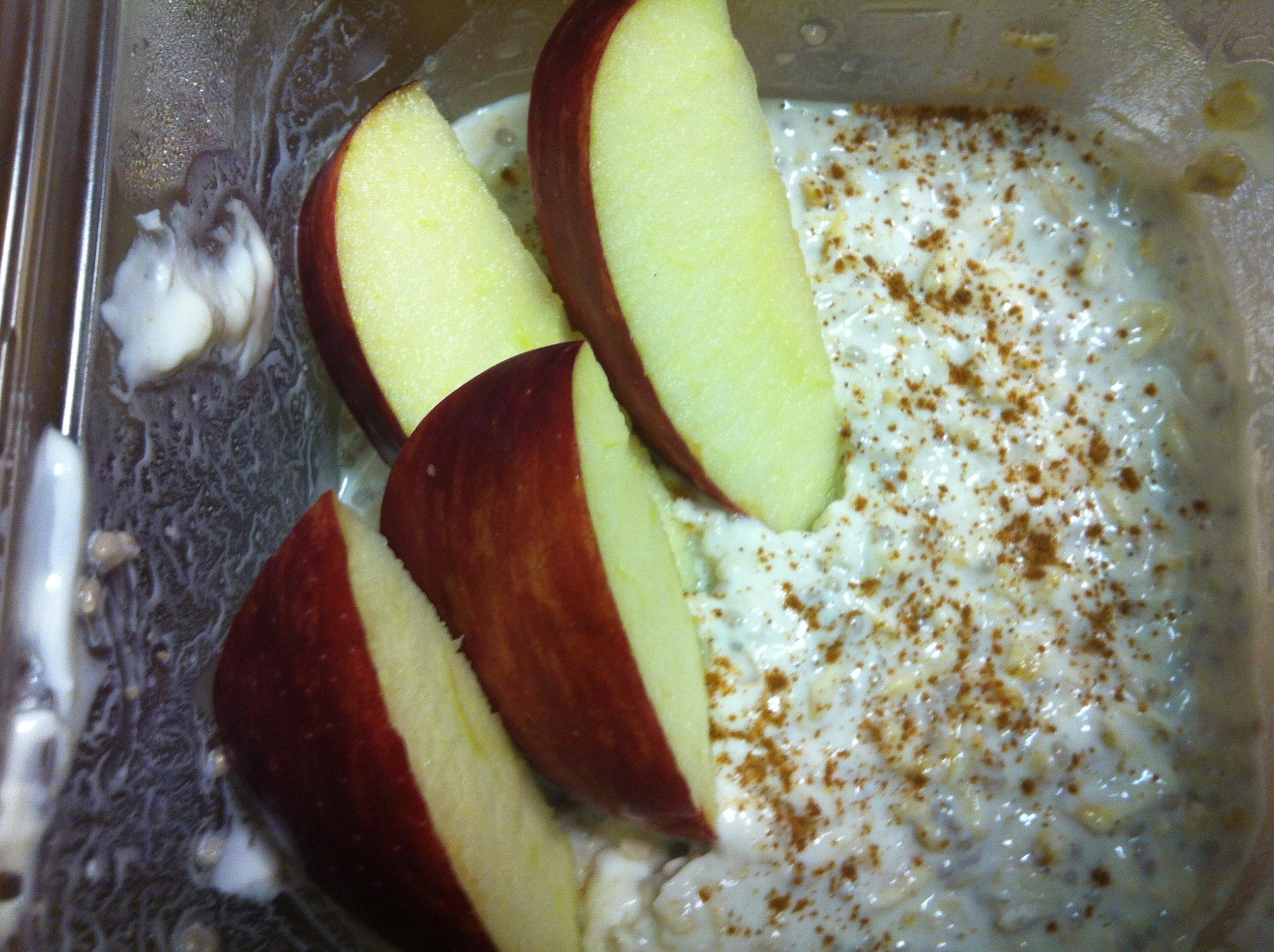 Apple Cinnamon Overnights Oats