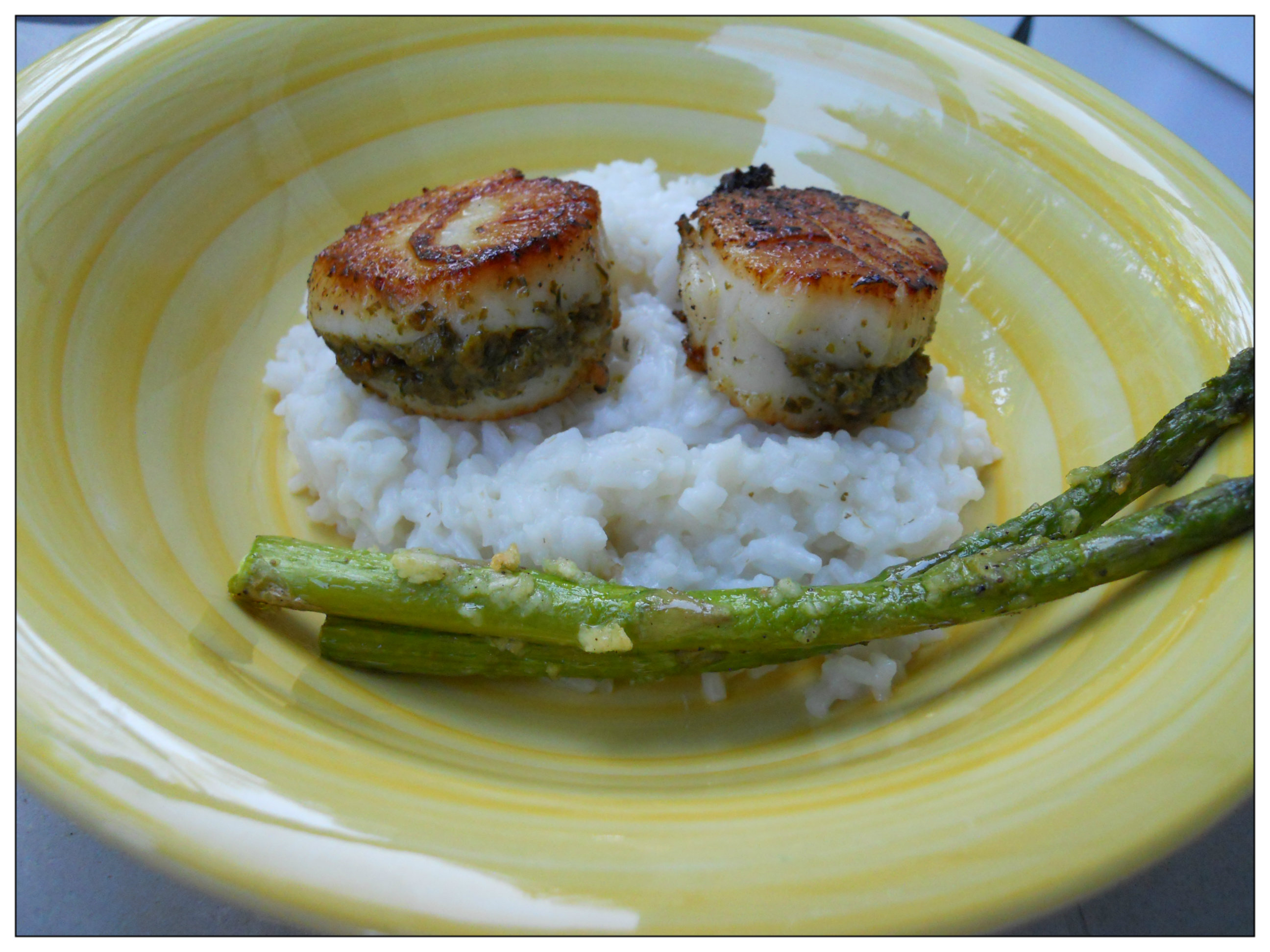 Pesto Pan Seared Scallops, easy Scallops